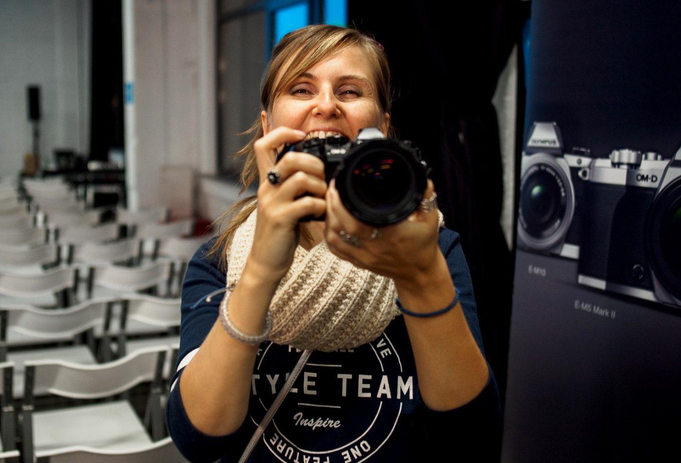 Работа фотографом в европе шилова требуются девушки для работы в японию читать